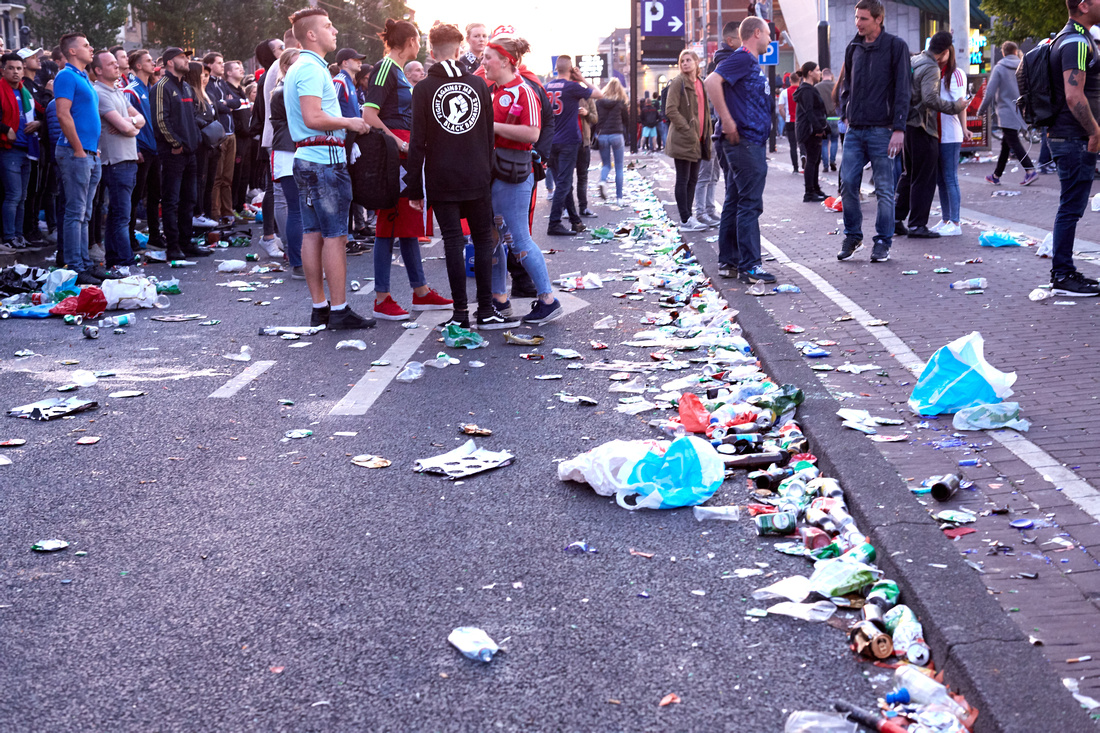 Are Soccer Fans Messy?